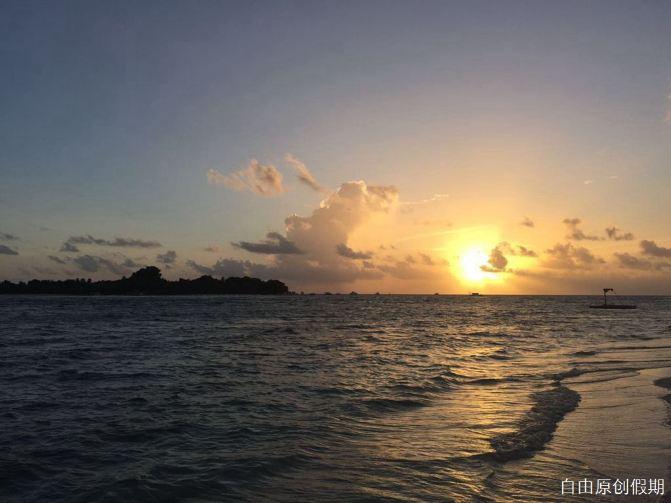 比基尼海滩看夕阳西下,好美的晚霞,预示著今晚有个大收获 ★清晨看