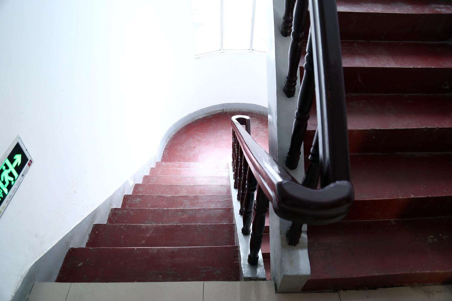 瑶层楼梯 设计图