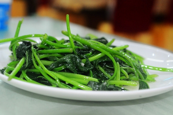 这个也是海南的特色菜,五指山野菜
