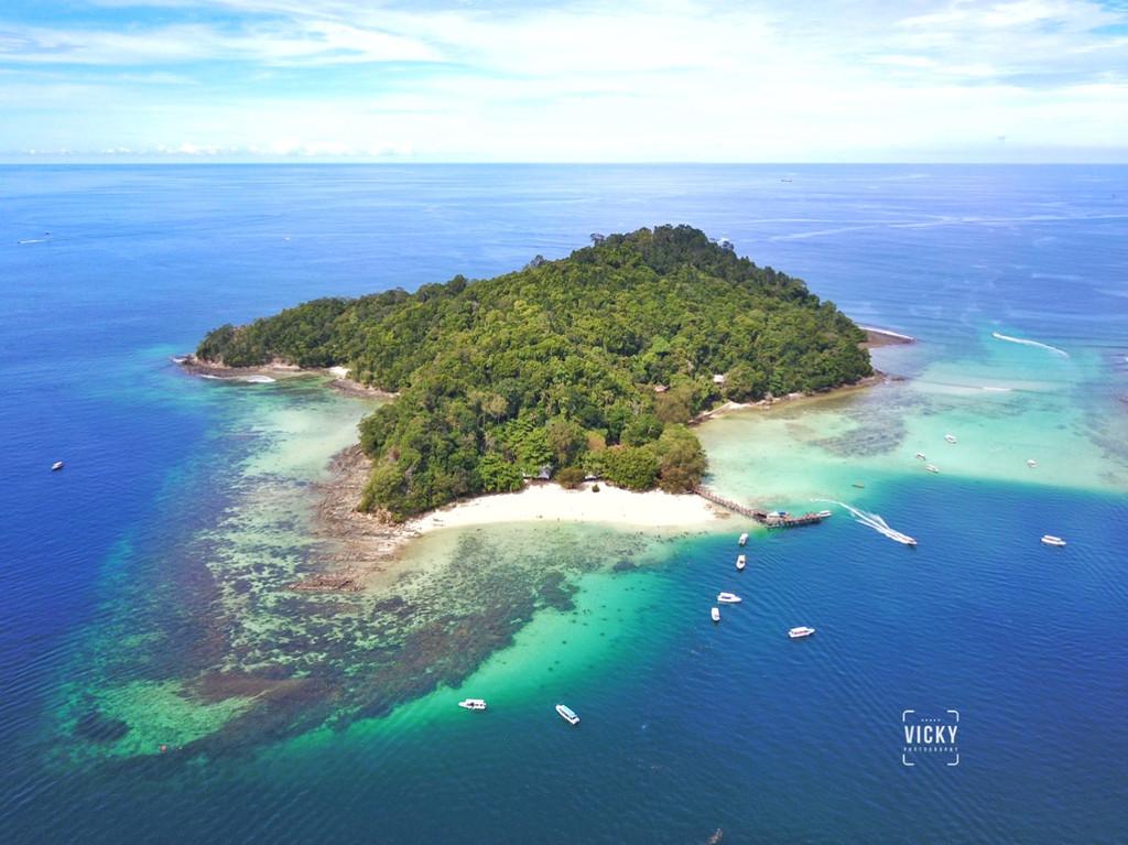 沙皮岛上的水上活动比较多,马奴干和马奴迪岛比较大,而加雅岛上有三个