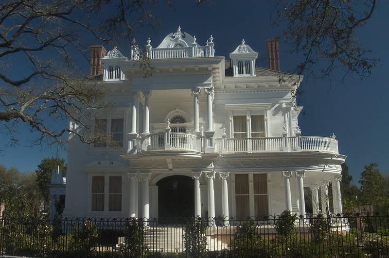 他们不看到在美国其他州同于的园区典型的别墅,更像是木质的砖瓦结构别墅结构二菊图片
