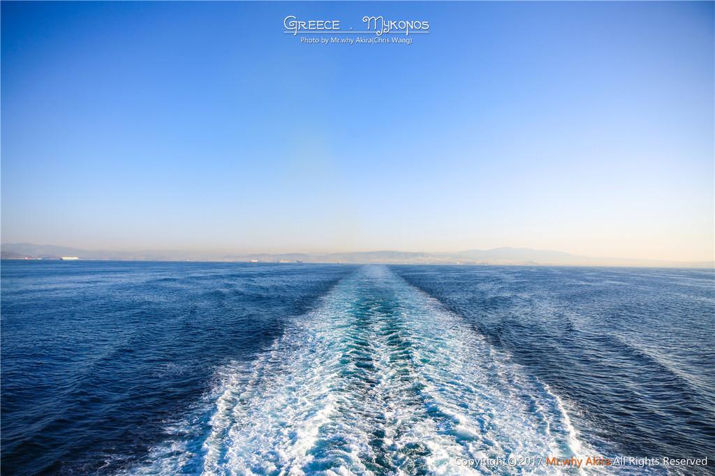 每艘船都可以运输汽车,有很多人都是开着车直接上船.
