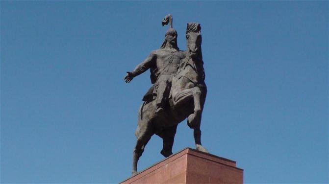 """[原创]比什凯克中心广场雕塑也""""换岗"""".吉尔吉斯1.中亚"""