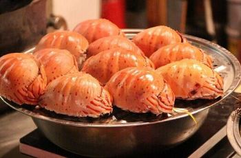 【携程攻略】青岛啤酒海鲜大排档附近美食