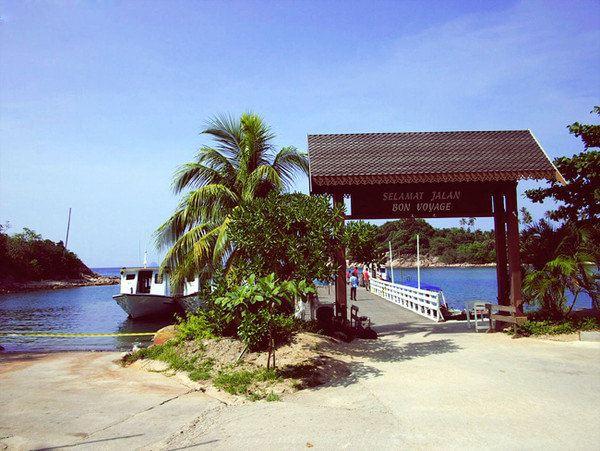 热浪岛上大部分度假村都是从登嘉楼的