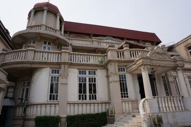 2007年9月3日,瓷房子正式对外开放,马上成为天津市的地标建筑.