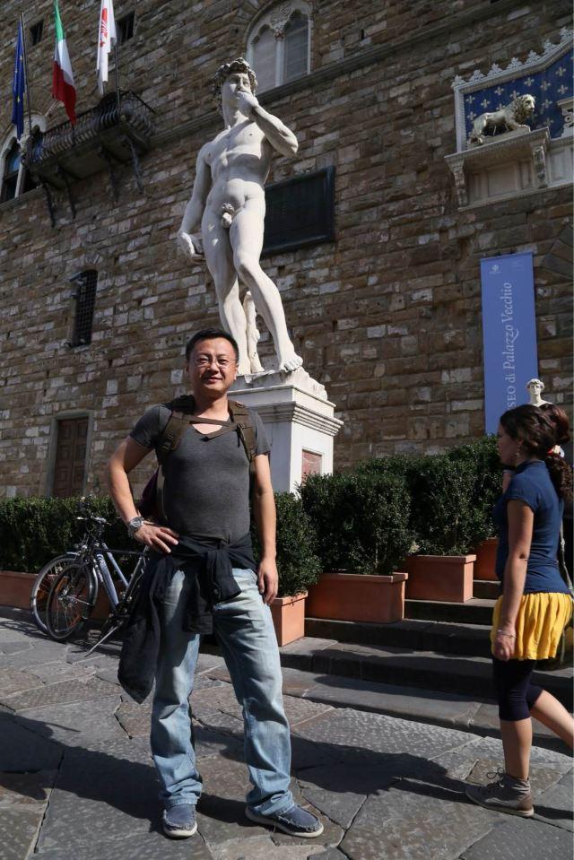 米开朗基罗雕塑《大卫王》,这个是老宫广场的复制品,真品在博物馆
