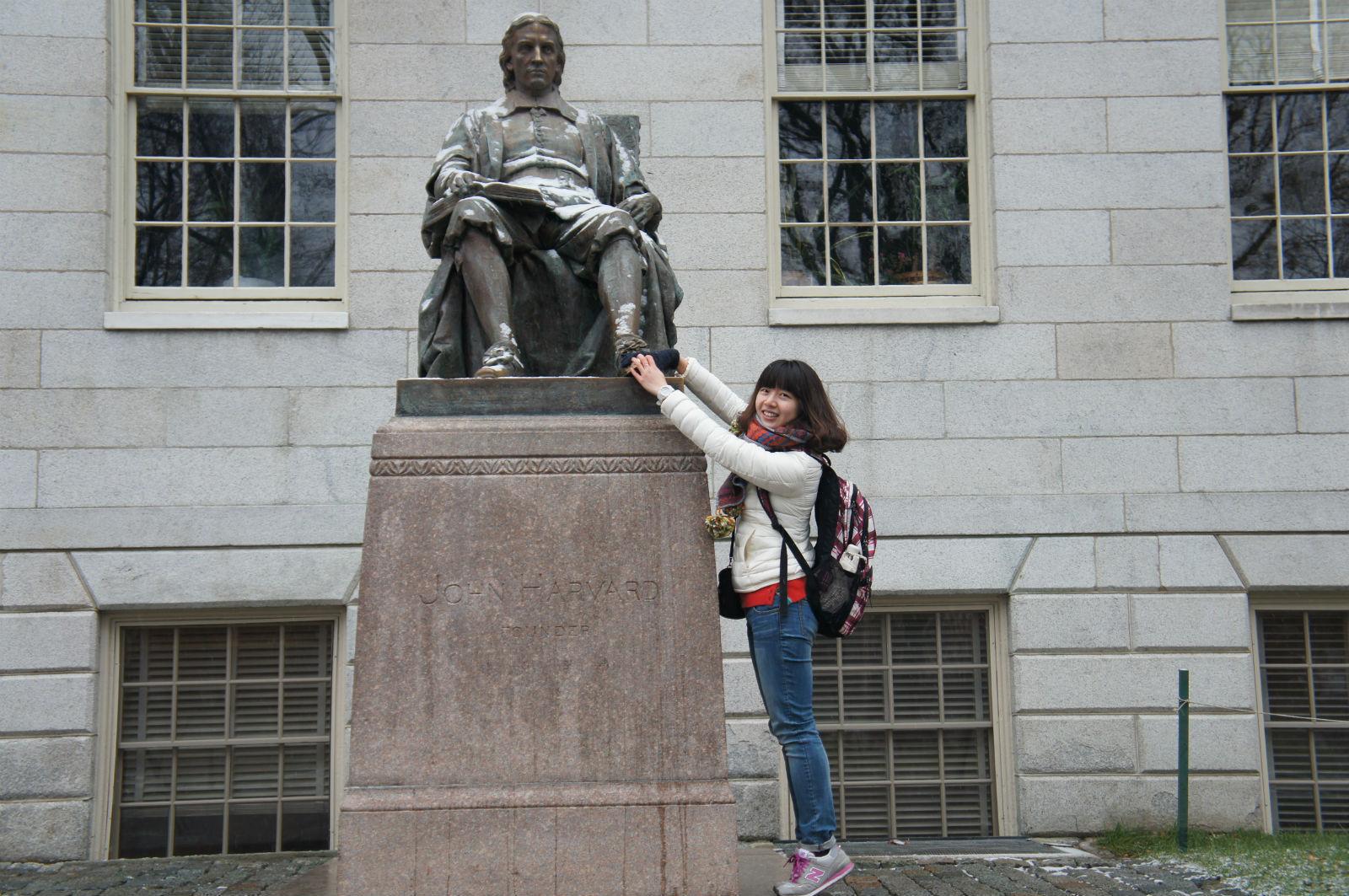在哈佛的欧式校园里,感觉整个就像是童话