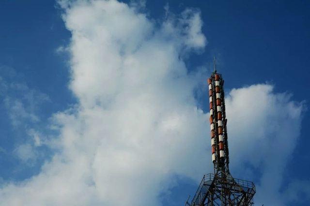 走近矗立于云霄的省广播电视塔