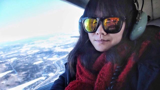 8人座的小飞机已不陌生,但飞机在冰雪地上滑来滑去的体验却是头一次.