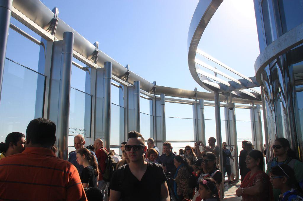 14.哈利法塔--124层室外观景平台