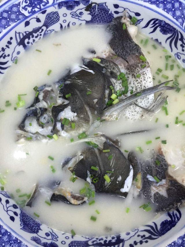 千岛湖野生鱼头煲汤,鲜