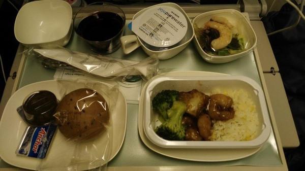 给大韩航空的飞机餐点个赞(据说拌拌饭好评最高)!