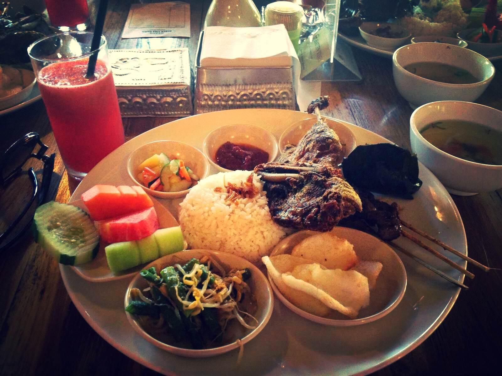 海神庙 巴厘岛的特色脏鸭餐,既不像宣传说的那么好,也不似网上吐槽的
