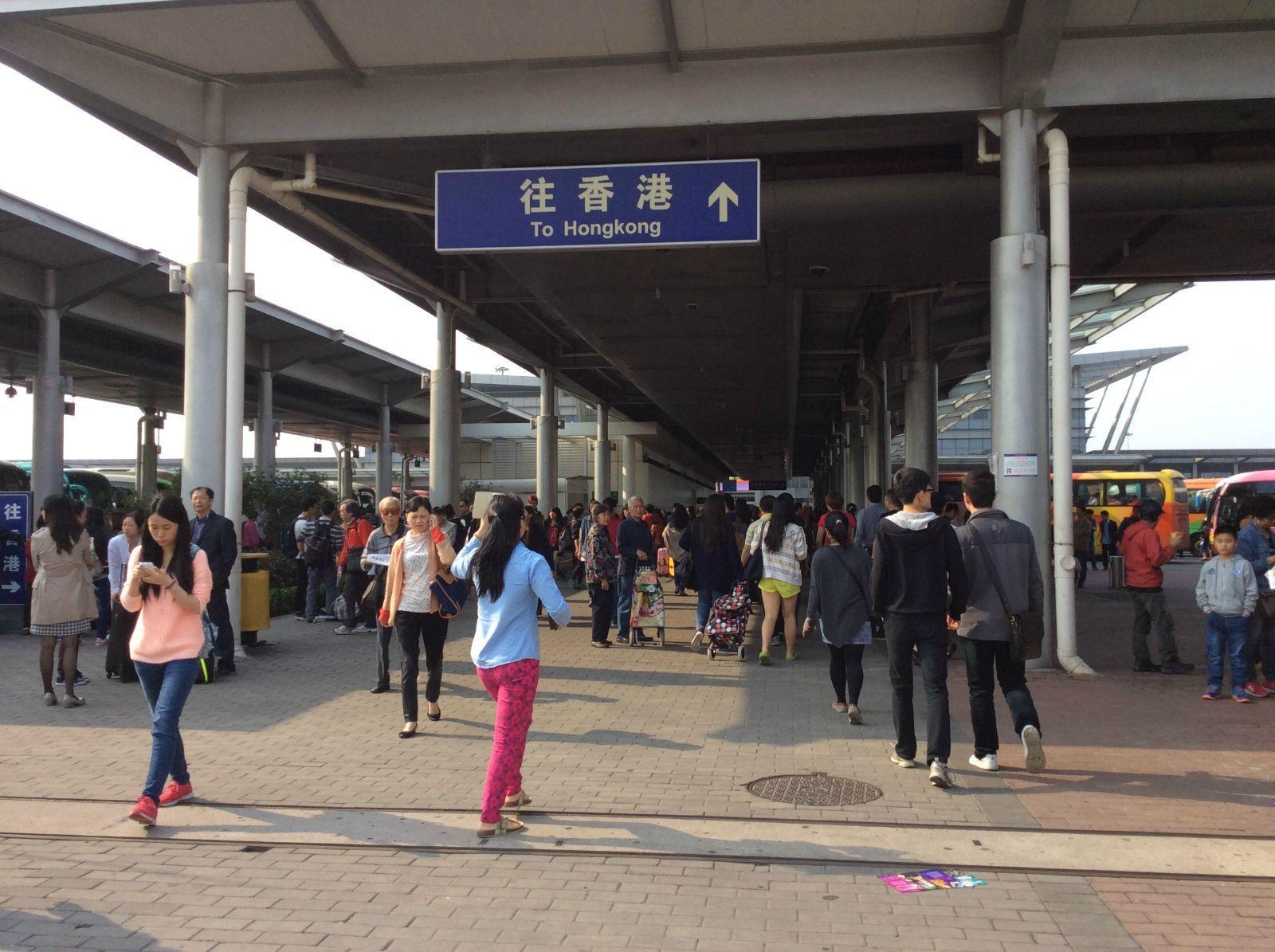 清明小假,和朋友一起从深圳出发到香港搭飞机去普吉岛.