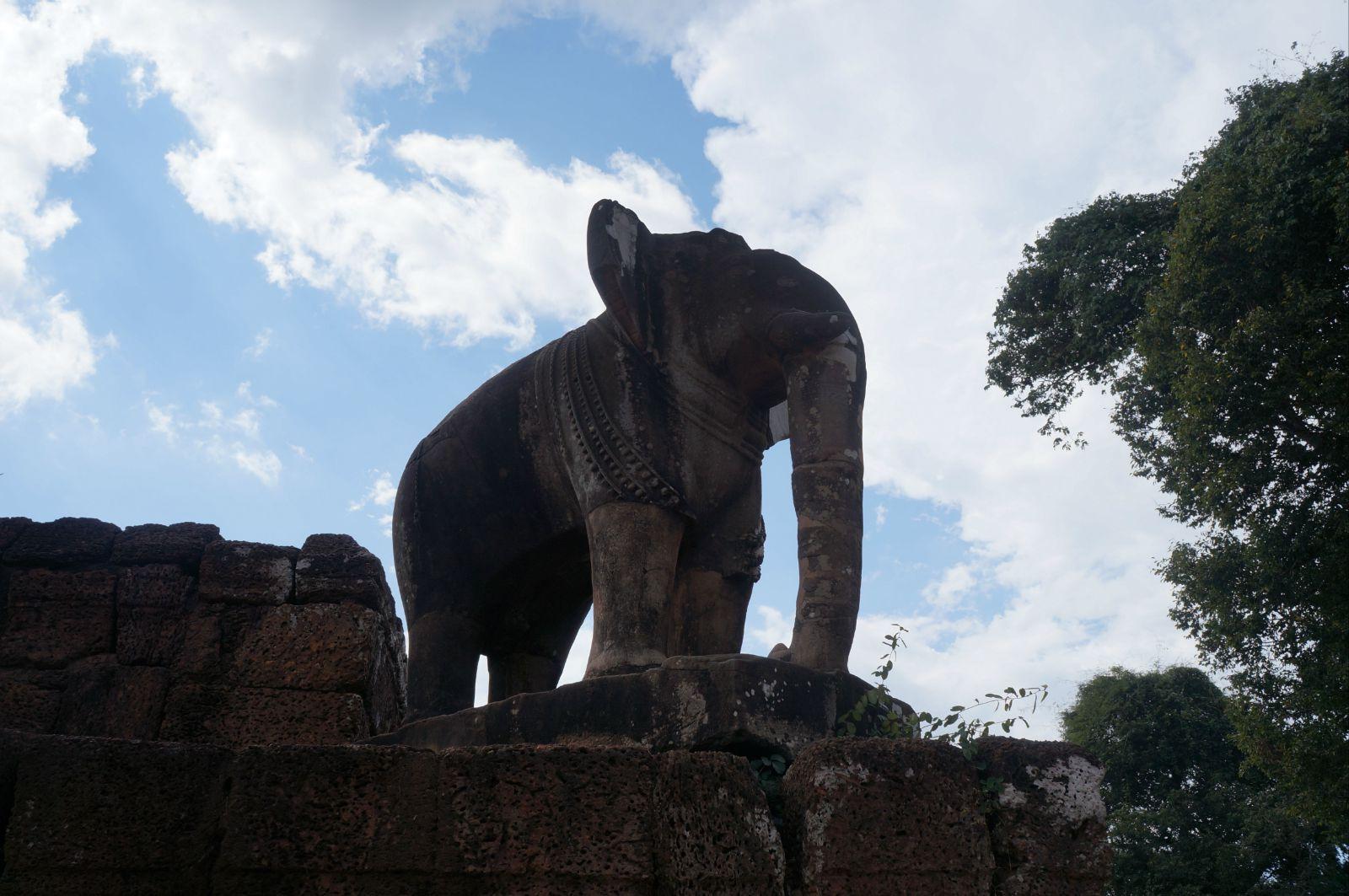 大象石雕源自印度神话,代表四方.