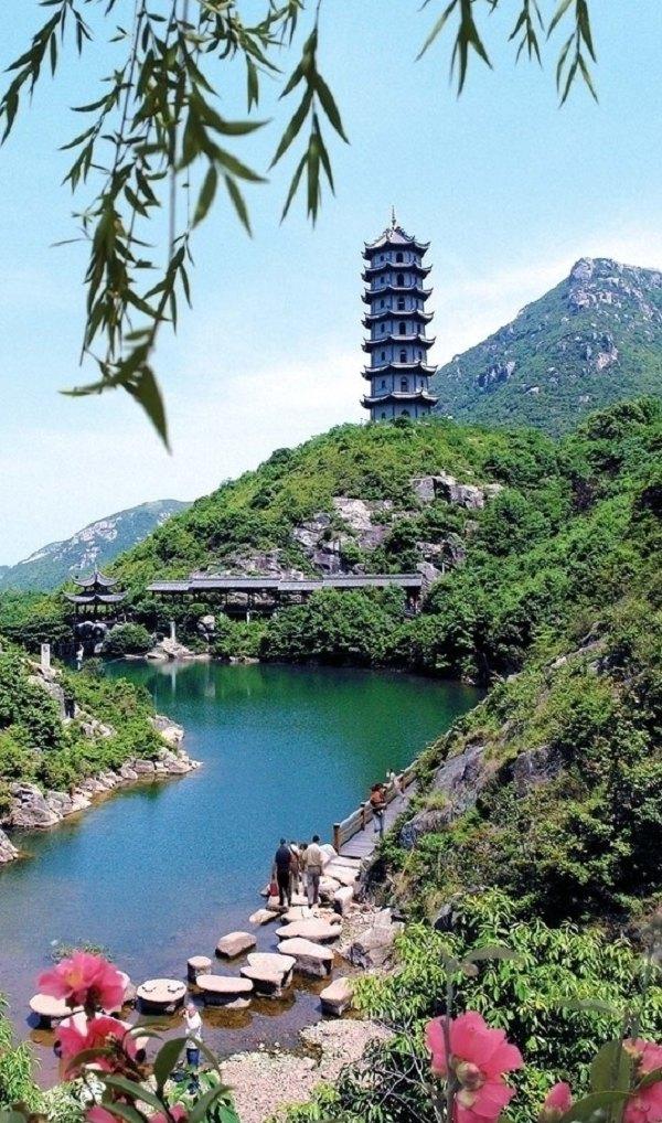 浙江省级风景名胜区桃花岛位于东经112°13′~122°19′,北纬29°46