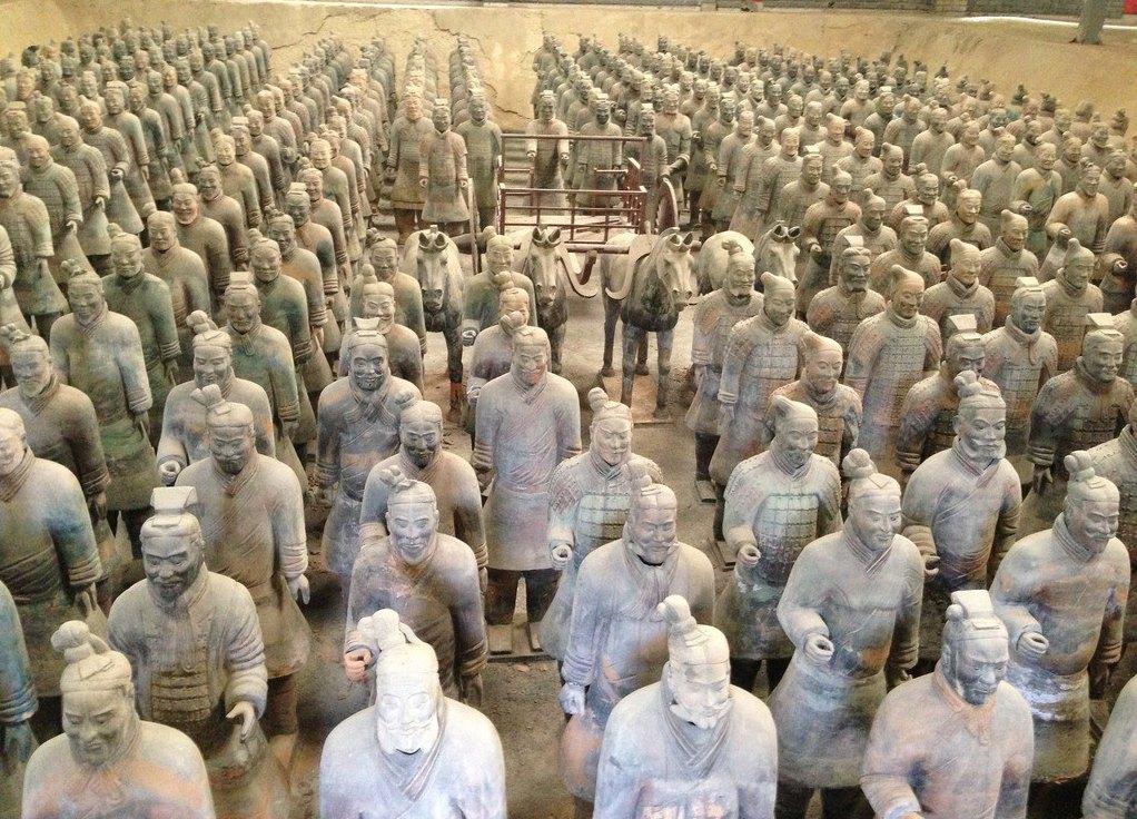 先后有200多位国家元首参观访问,成为中国古代辉煌文明的一张金字名