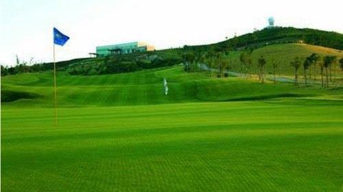 天泰温泉高尔夫俱乐部位于青岛城市转型发展的核心区