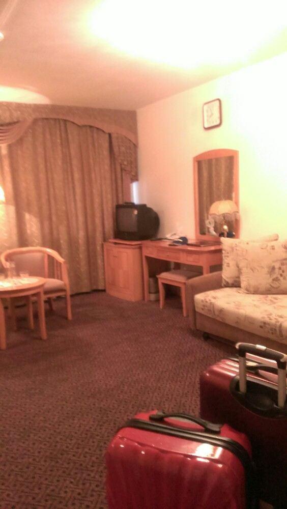 背景墙 房间 家居 设计 卧室 卧室装修 现代 装修 564_1000 竖版 竖屏