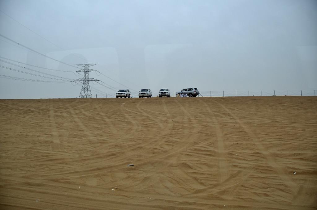 沙漠冲沙 冲沙回来,在这里耗着图片