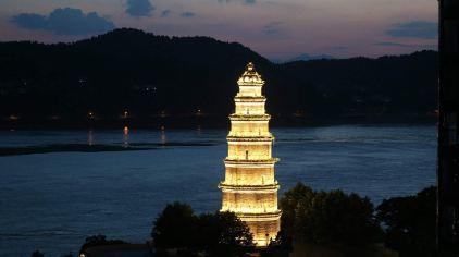 交运长江夜游-天然塔2