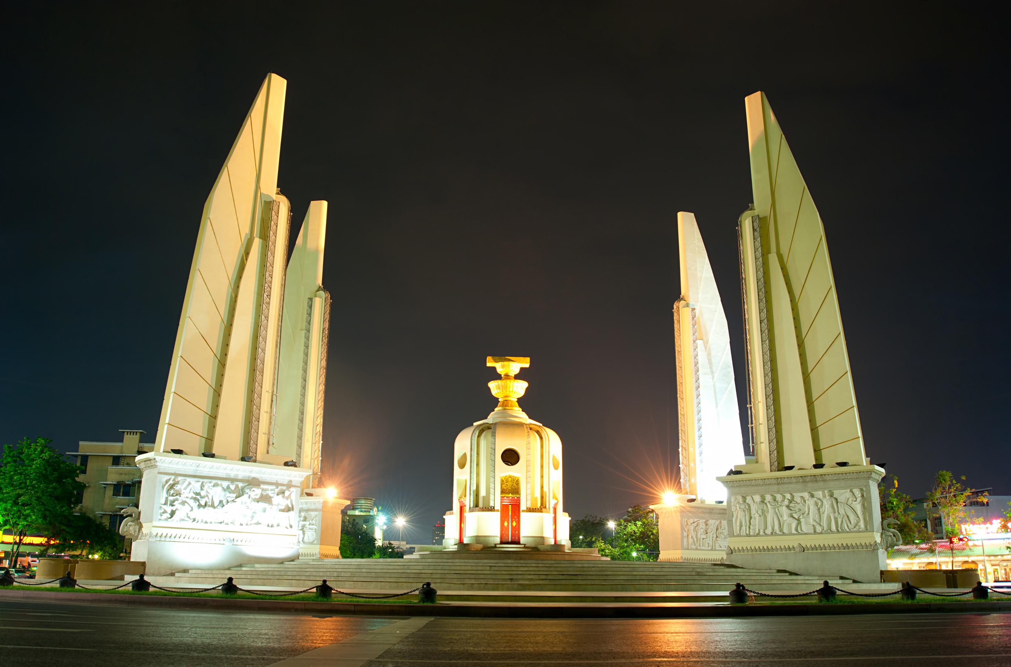 民主紀念碑  Democracy Monument   -2