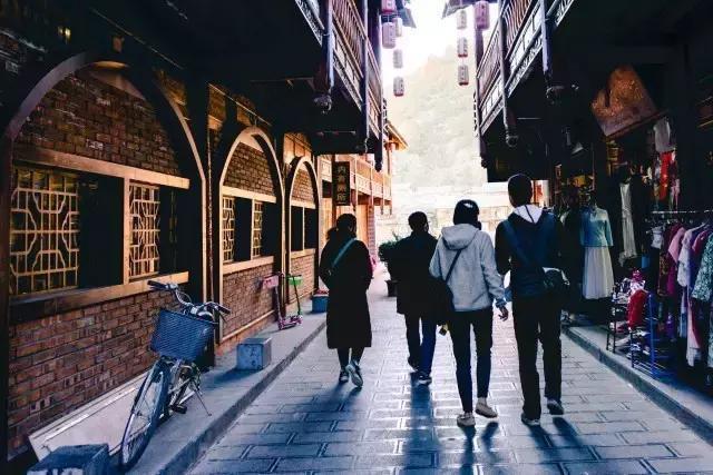 比起丽江古城,我更喜欢束河古镇的安静