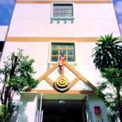 曼谷白色小屋旅舍