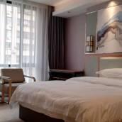 高州羽·梵酒店