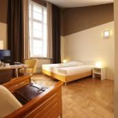 佩靈坎菲爾特爾酒店