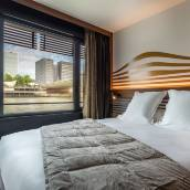 巴黎塞納河畔酒店