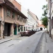伊倫多薩格布勒 - 舊城公寓酒店