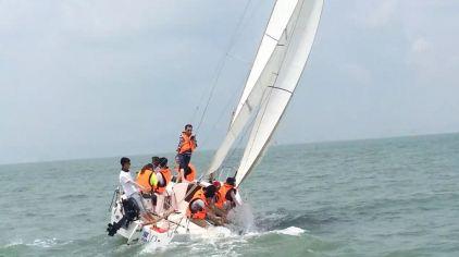 闽海湾帆船出海体验