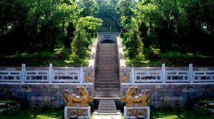 芒砀山-梁孝王陵